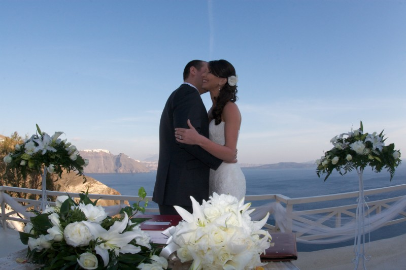 Wedding in Santorini, Mystique